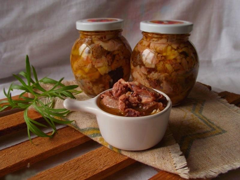 Самодельная тушёнка из свинины домашним способом
