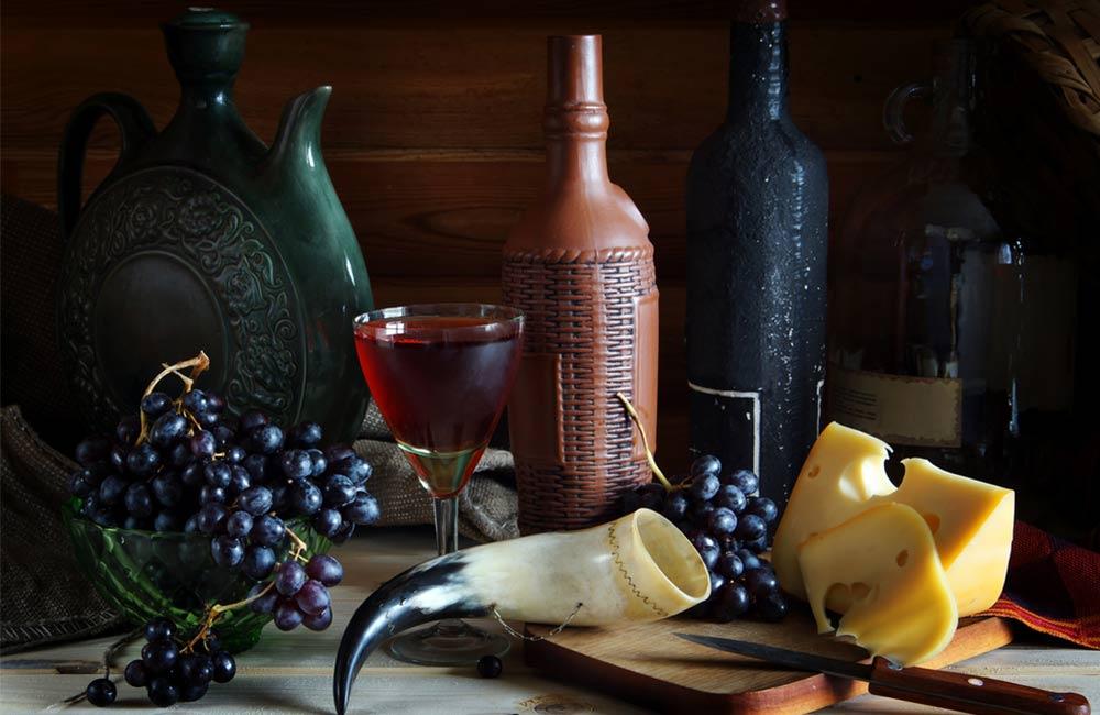 Традиционная чача - самогон из винограда